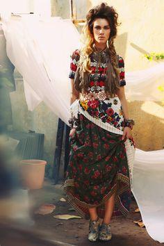 gypsy fashion, boho chic, floral prints, skirts, pattern, color, bohemian design, gypsi, bohemian gypsy