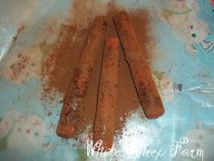 How to make grungy candles...not sure I want/need grungy candles...but I'll know how to do it if I ever do!