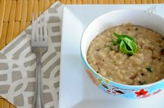 Barley risotto with mushroom and basil (veganizable)