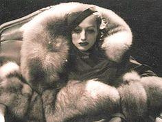 joan crawford george hurrell, woman fashion, fashion ideas, furs, hollywood stars, georg hurrel, joan crawford, letti lynton, little animals