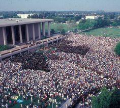 Commencement ceremony, May 1982, California State University, Northridge (CSUN) :: CSUN University Archives