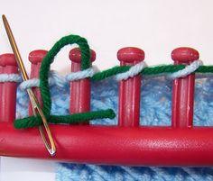 Loom Knitting: Using a Lifeline