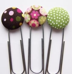 craft, hip clip, hair clips, gift ideas, diy tutorial, paper, buttons, clip button, button bookmark