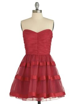 Red christmas dress. pretty pretty. :) love the lace and tule.