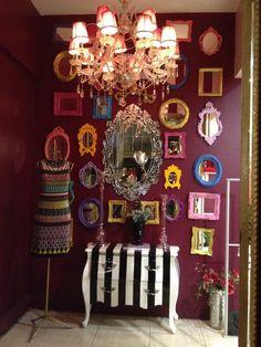 Espelhos com molduras coloridas - charme!!!!