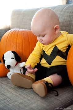 Charlie Brown halloween costume for baby. I mean come on it does not get cuter than this.