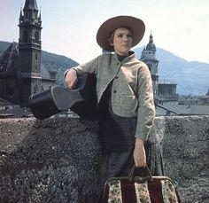 """ love you julie andrews! music theater, favorit moment, julie andrews, sound, juli andrew, entertain, favorit movi, maria, favorit actress"