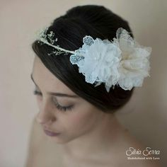 Coroncina sposa boho chic #modista #modisteria #milliner #millinery #bride #bridal #bridalhead #sposa #matrimonio #wedding #bohochic #bridalhead #bridalaccessories #flower #weddingflower #boho #chic