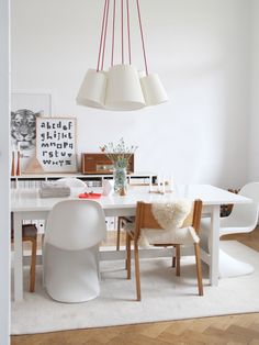 #home #rooms #dining #white #wood #natural #basic #comfy #simple