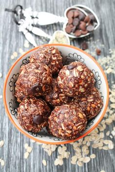 Chocolate Peanut Butter & Hemp Seed Balls. Boom! Check out this #glutenfree #vegan recipe --> http://bit.ly/1s4sfeo