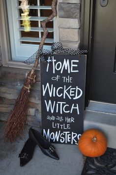 5 Simple Halloween Decorating Ideas for your Home. See these creative ideas to decorate your front porch & interiors with fun Halloween inspiration.