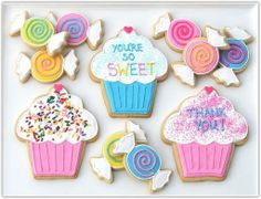 Look at these adorable cookies. Perfect for a kids party, don't you think?