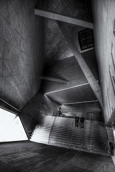 casa da música - descendo by António Alfarroba, via Flickr