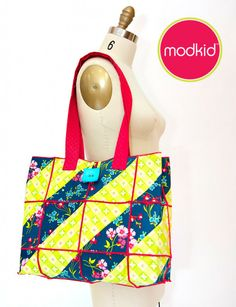 Use a serger to create this quilted crafter's tote >> Tutorial by Patty Young