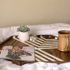 Make your own hexagon table tray with a simple line design! Perfect for relaxing at home in the mornings.