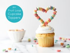 This cupcake topper for Valentine's Day is made with pipe cleaners!
