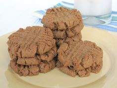 Love peanut butter (or nut butter?) cookies?? Try these PB cookies packed with supergrains! Healthy and delish!