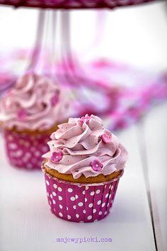 raspberry cupcake with raspberry swiss meringue buttercream...