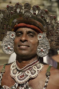 Sri Lanka | Temple Dancer.  Dambulla © Leonid Plotkin,