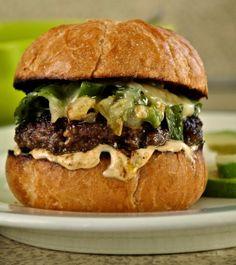 ¡Hola! Jalapeño: Green Chile Cheeseburgers with Cayenne Lime Mayo