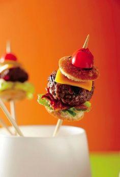 hamburger op een stokje.