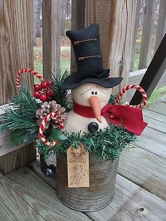 Primitive Christmas Winter Snowman In Sifter