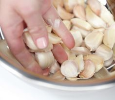 How to peel garlic fast