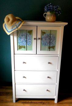 dedication Hydrangea Cabinet