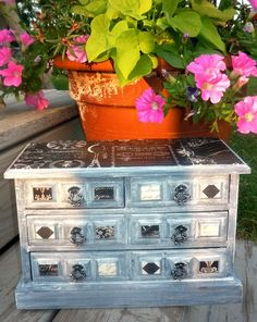 Green Willow Pond: Beating the Heat and Upgrading Old Jewelry Boxes