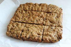 Healthy Oatmeal Peanut Butter Snack Bars {Recipe} - glitterinc.com