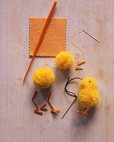 pom-pom chicks #DIY #yarn #crafts #Easter