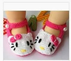 Knotty Living: Hello Kitty Crochet Newborn Shoes free
