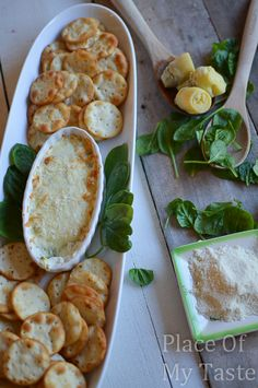 HOT SPINACH & artichoke dip @placeofmytaste.com #appetizers #spinachartichoke #partyrecipes