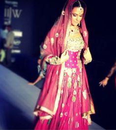 Neha Dhupia models #Jewelry by http://www.Gitanjaligroup.com/ Gems at #IIJW2014