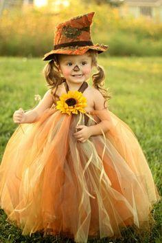 love creative homemade costumes :)