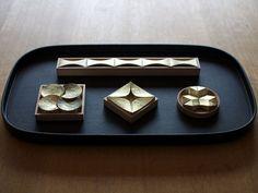 Masanori Oji / 真鍮の箸置き  http://www.o-ji.jp/works/products/post-28.html