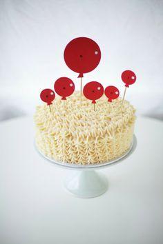 DIY: balloon cake topper