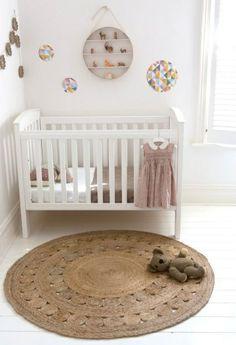 Alfombra habitación bebé http://www.mamidecora.com/alfombras-bebes-ni%C3%B1os-armadillo.html