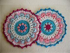 Twin crochet mandalas - free pattern!
