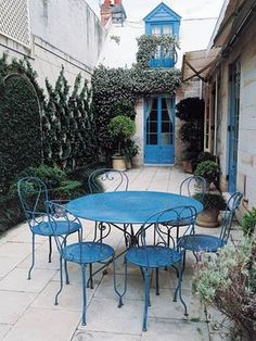 love the courtyard