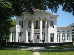 Georgia the peach state on pinterest mansions spanish for Southern architectural styles