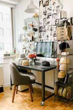 Office of Dara Kent-Cobb from The Glitter Guide | 10 Best Office Spaces | Camille Styles