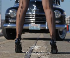 Girls & legendary US-Cars 2015 calendar: SHOW YOUR LEGS! Photographer: www.carloskella.de // Publisher: SWAY Books // Model: Jennifer Hoes // Car: Thanks to Thorsten Schäfer // www.sway-books.de // www.carloskella.de