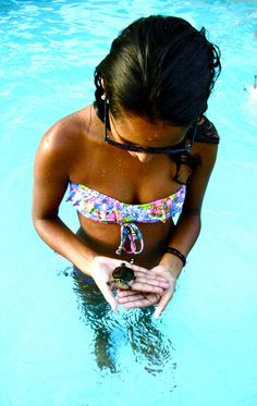 the baby turtle, the suit, and the tan. <3