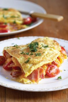 Spek-en-tamatie-omelette | SARIE | Bacon and cheese omelet
