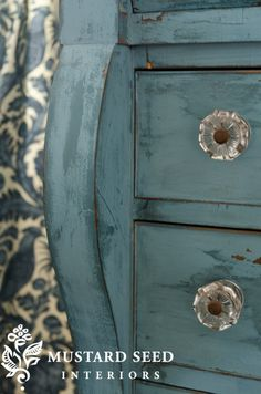 What is Milk Paint and How to Use it on Furniture (Paint It Monday).. Color!