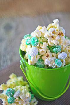 popcorn treat, holiday happen, popcorn recipes