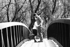 51 Romantic Couples Christmas Photo Ideas : Black And White Christmas Photo Ideas For Couple