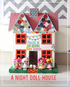 I love this little doll house! Love how colorful it is.