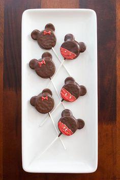 Mickey and Minnie Oreo Pops